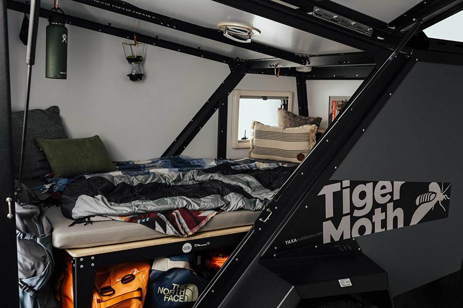 Tiger Moth Camper Bett