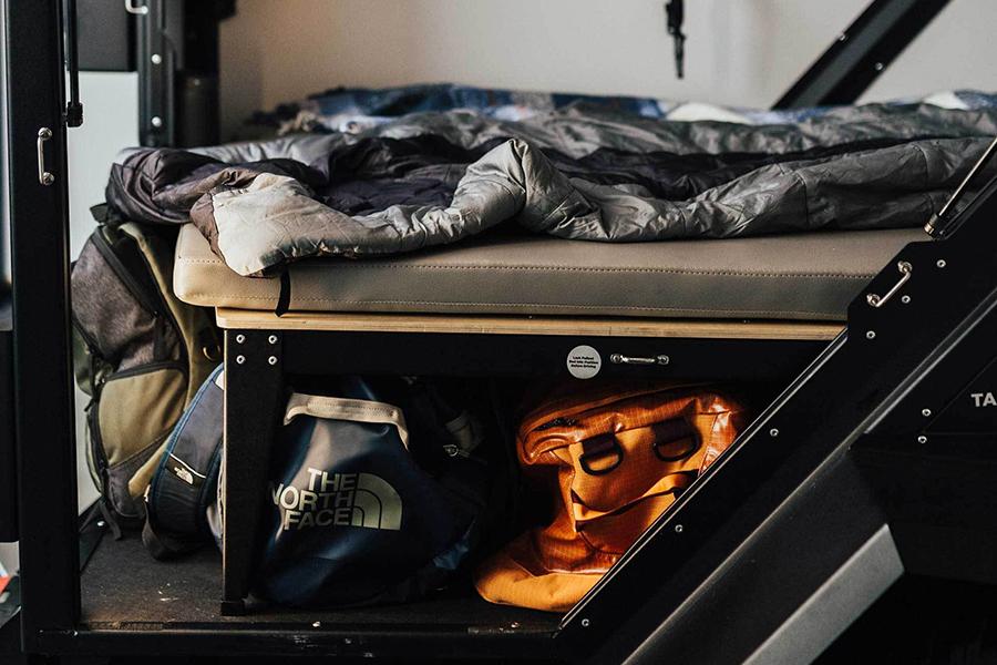 Tiger Moth Camper Lagerung unter dem Bett