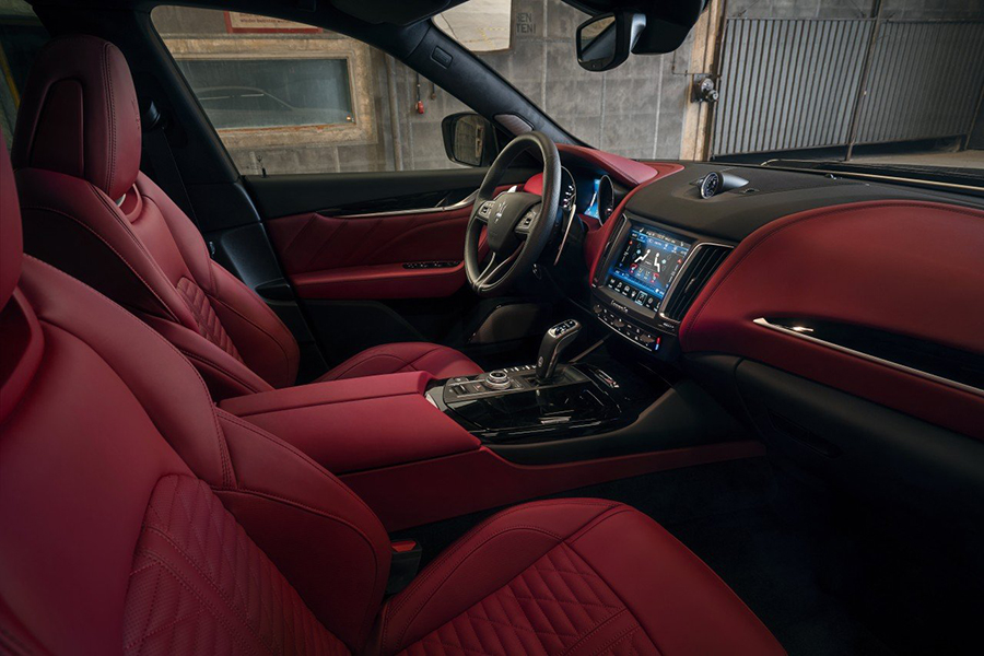 Das SUV-Armaturenbrett ESTESO Maserati Levante von NOVITEC