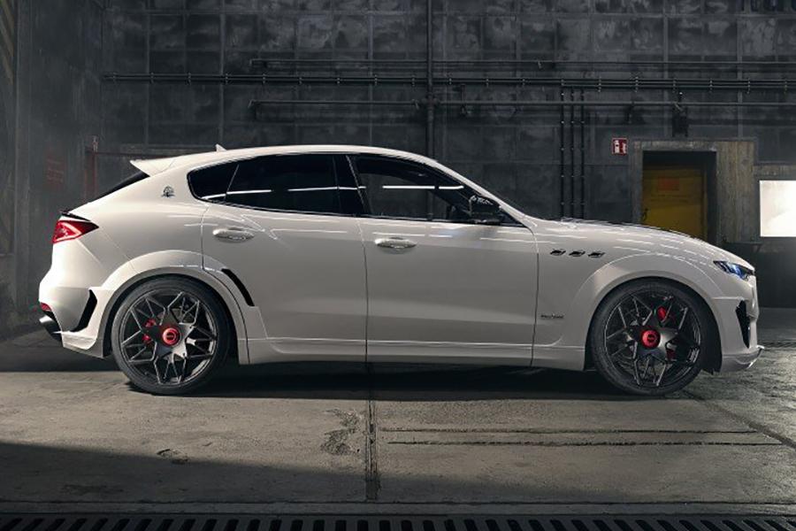 Seitenansicht des SUV ESTESO Maserati Levante von NOVITEC