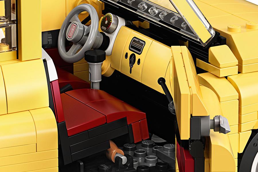 Lego Fiat 500 Armaturenbrett und Lenkrad