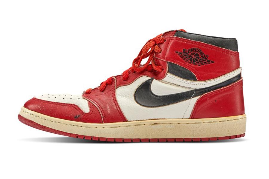 Michael Jordans $ 560k Game-Worn Air Jordan 1s stellte neuen Weltrekord auf