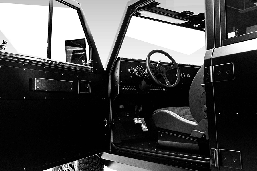 ollinger B2 Pickup Tür öffnen und Lenkrad