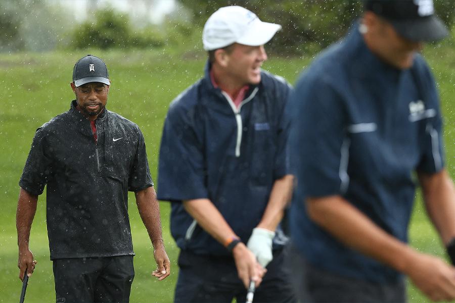Tiger Woods Peyton bemannt Tom Brady das Match