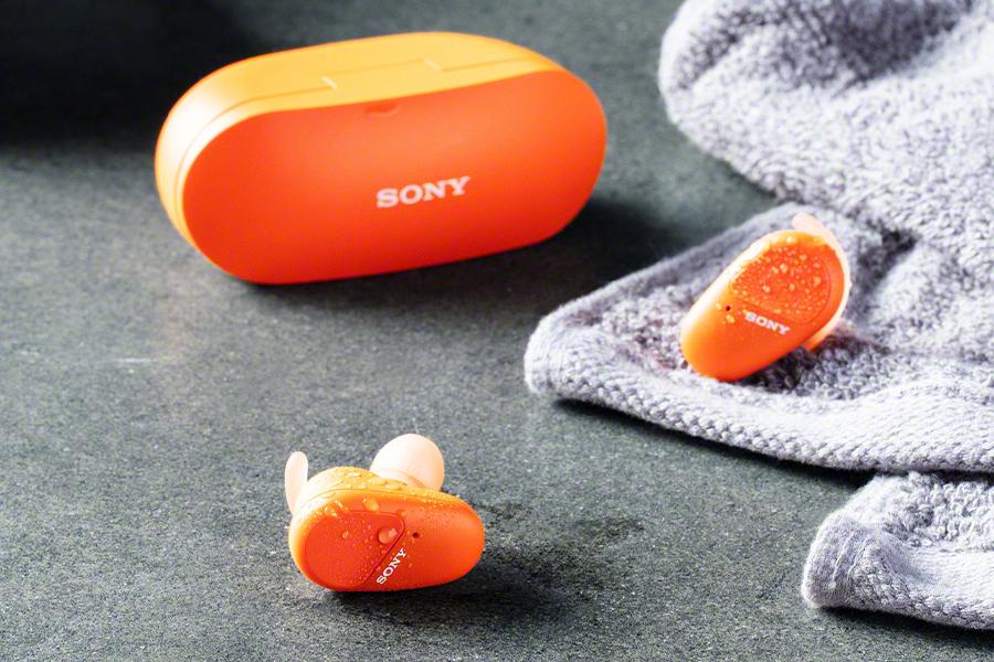 Schweiß ohne Stress Tragen Sie die WF-SP800N Ear Buds von Sony