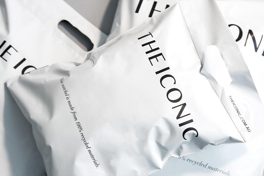 THE ICONIC bringt 100% recycelte Lieferbeutel auf den Markt