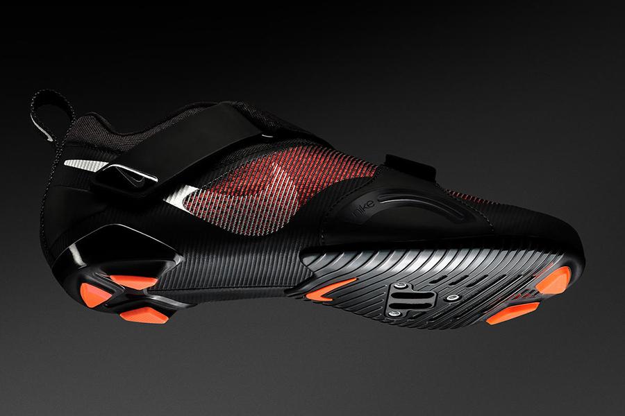 Der erste Indoor-Radschuh von Nike erscheint pünktlich