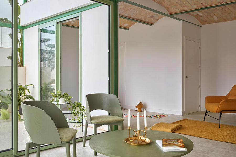 Brick Vault House Tisch und Stuhl