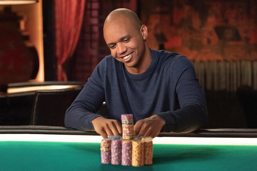 Nehmen Sie Casino Philale mit Phil Iveys Poker Masterclass auf