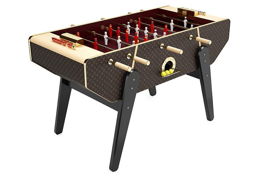 Machen Sie sich bereit, um mit Louis Vuittons Tischfußballtisch im Wert von 71.000 USD zu spielen