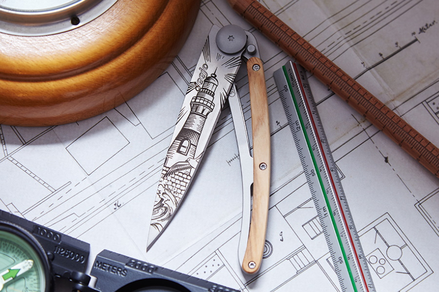 Deejo: The Pocket Knife Design That Comes With a Tattoo