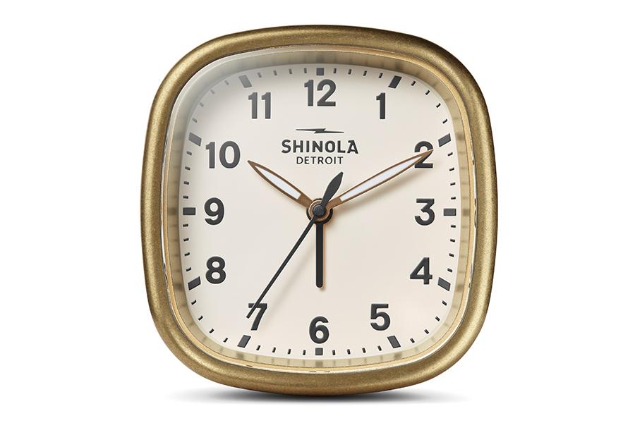 Shinola Guardian Wecker bringt Pünktlichkeit auf die Reiseroute