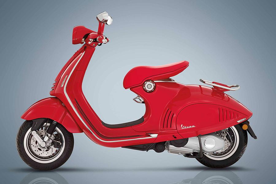 Vespa und Christian Dior paaren sich auf einem speziellen 946 Scooter