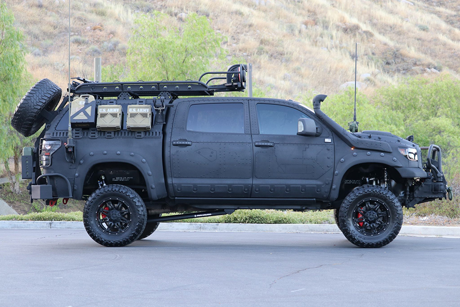 Toyota Tundra Custom Build Seitenansicht