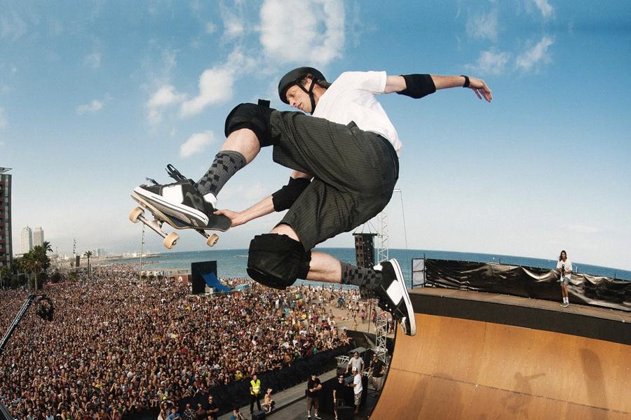 Meistere die Kunst des Skateboardens mit Tony Hawk
