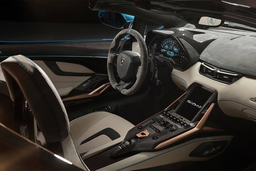 Lamborghini Sian Roadster 1