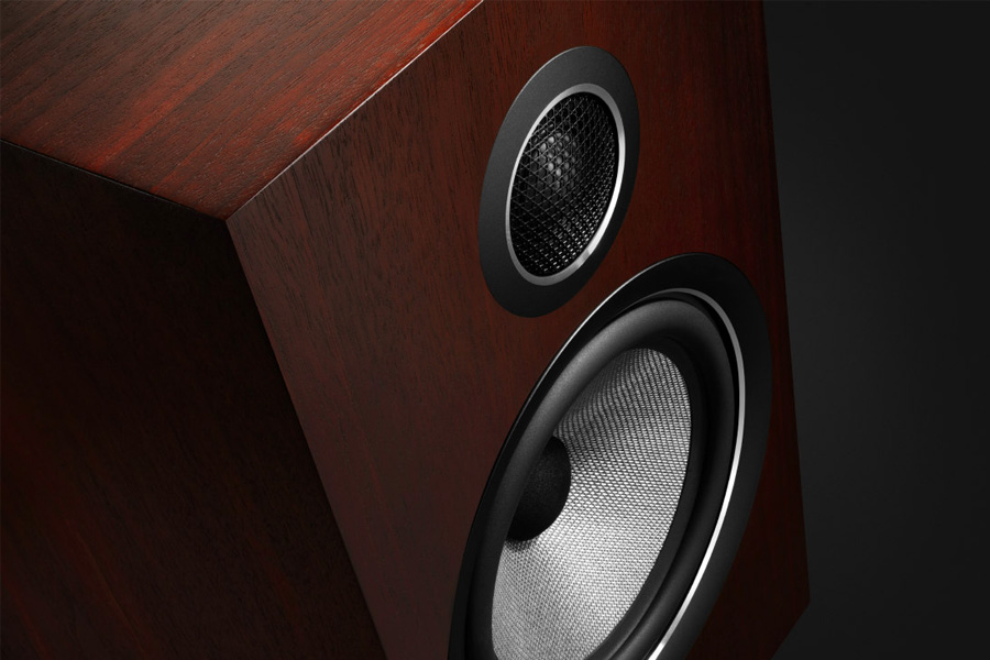 Bowers & Wilkins Release New Signature 700 Series