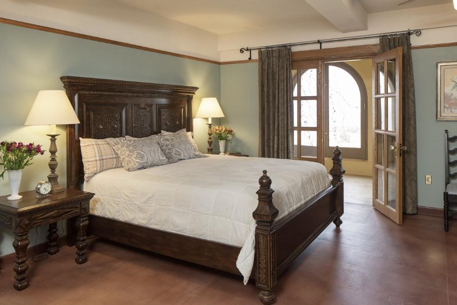 former hotel turned mansion auction