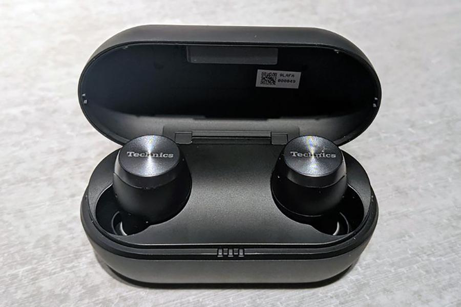 Technics release EAH-AZ70W true wireless earphones inside view