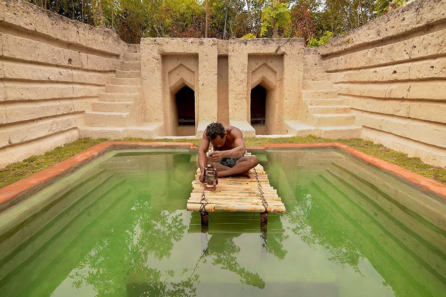 Guy gräbt sein eigenes unterirdisches Herrenhaus und Schwimmbad