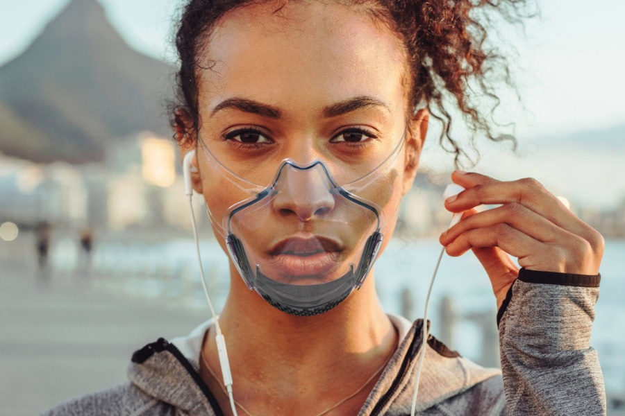 Die weltweit erste von der FDA registrierte transparente Smart Mask