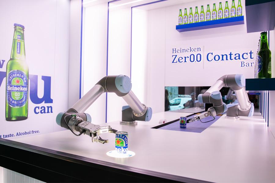 In Sydneys erster Robot Bar wird die ganze Woche über Freibier serviert