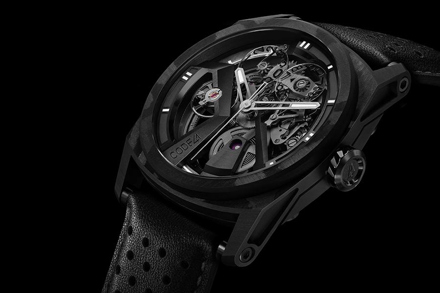 Diese handnummerierte X41 Edition 4 AeroCarbon Uhr ist jetzt in begrenztem Umfang erhältlich