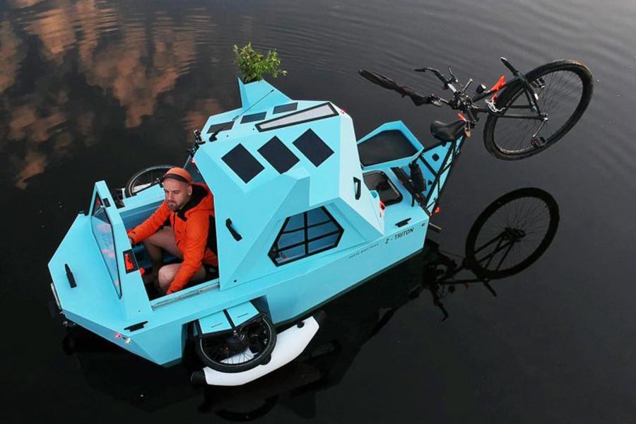 Z-Triton ist ein Frankenstein House-Boat-Trike Mash Up