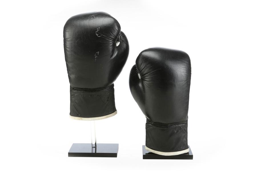 """Die originalen Boxhandschuhe von """"Rocky"""" sind zu haben"""