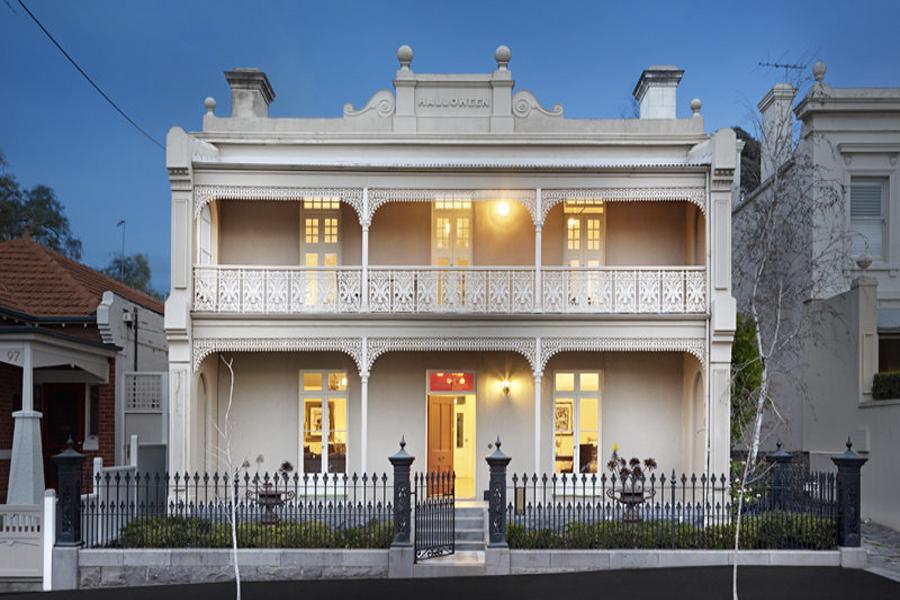 Highest-earning suburbs australia - east melbourne