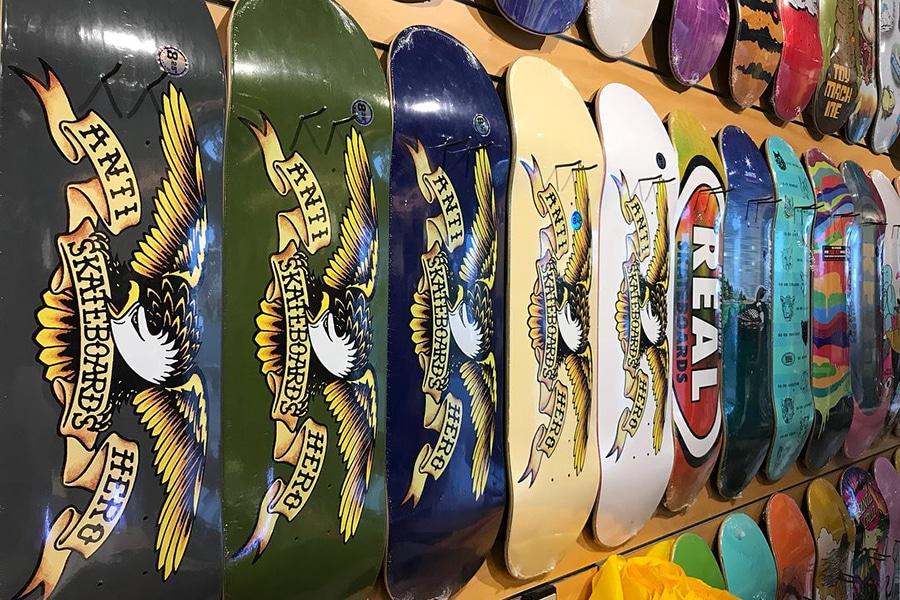 blunt skateboarding