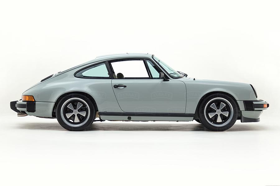Custom Porsche 911 von Straat Fahrzeug