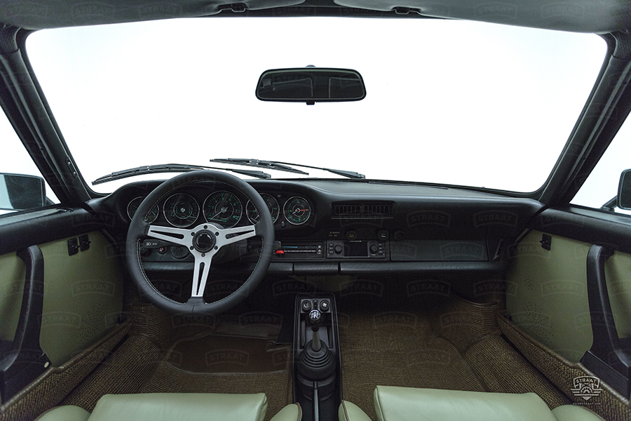 Custom Porsche 911 von Straat Armaturenbrett und Lenkrad