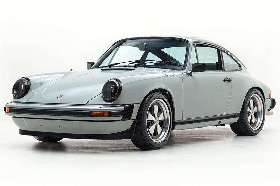 Custom Porsche 911 aus Straat Seitenansicht