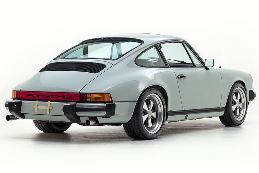 Custom Porsche 911 von Straat Wheel