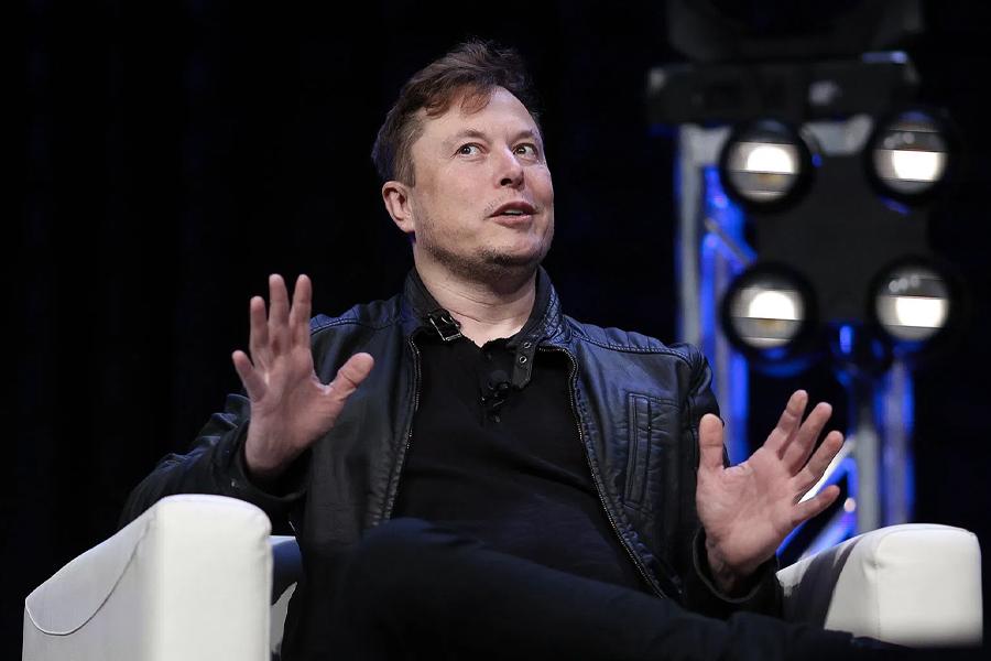 Elon Musks Käfigkampf mit Johnny Depp bekommt einen neuen Anwärter; Mickey Rourke