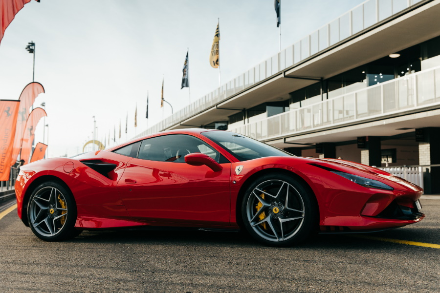 Praktisch mit Ferraris F8 Tributo: Eine schlanke, gemeine V8-Maschine
