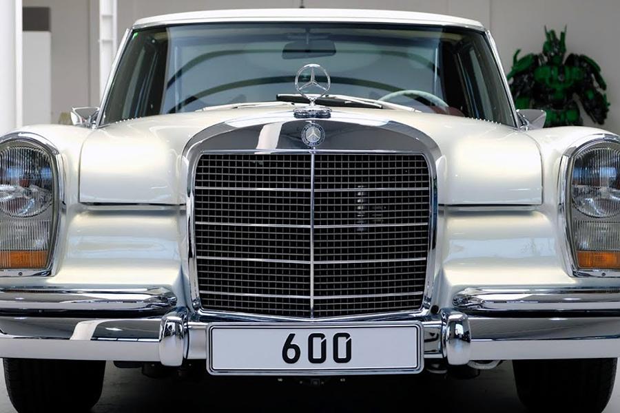 1975 Mercedes-Benz 600 Pullman Maybach Restomod Frontscheinwerfer
