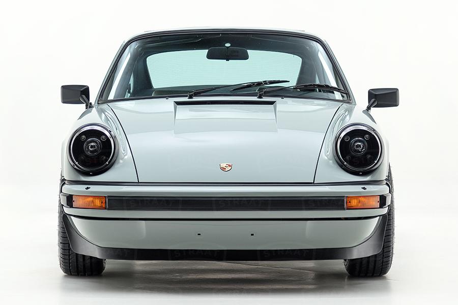Custom Porsche 911 von Straat Vorderansicht