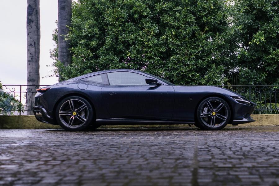 Ferrari Roma Seitenansicht
