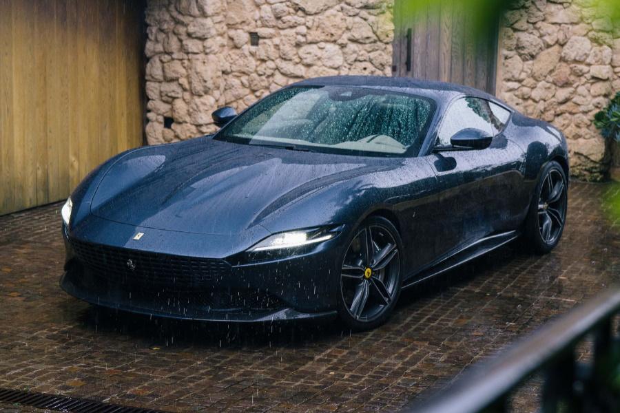 Der turbogeladene Ferrari Roma treibt das süße Leben an
