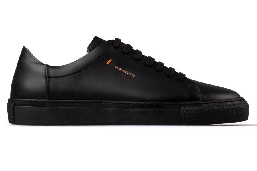 Von-Röutte bringt Lyon All-Black Sneaker und Exclusive Deal auf den Markt
