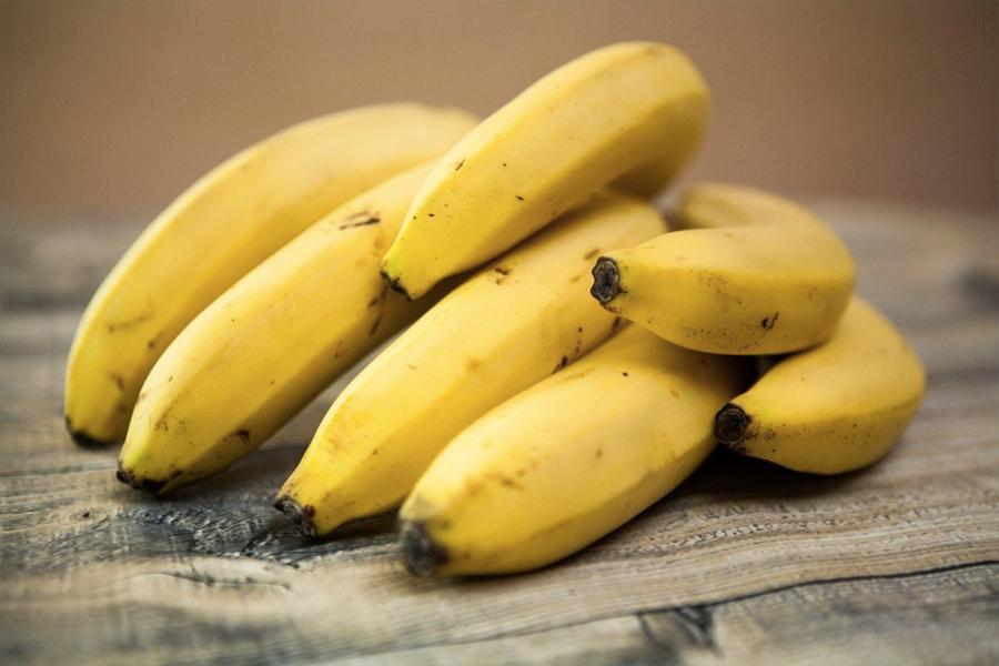 Lebensmittel, die Ihnen beim Schlafen helfen - Bananen