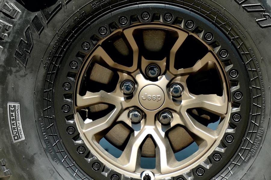 Jeep® stellt neues 6,4-Liter-V-8 Wrangler Rubicon 392 Concept-Rad vor