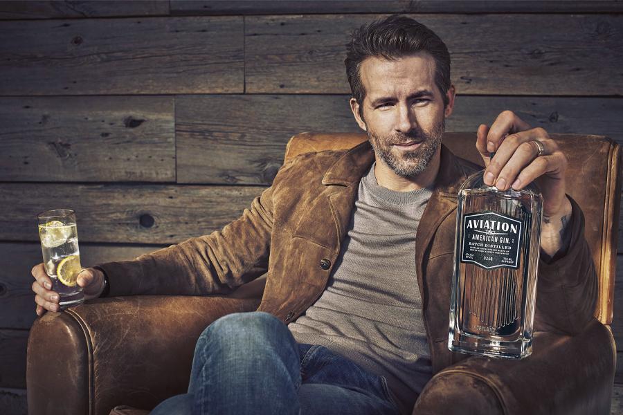 Ryan Reynolds hat gerade seine Aviation American Gin Company für 840 Millionen US-Dollar verkauft