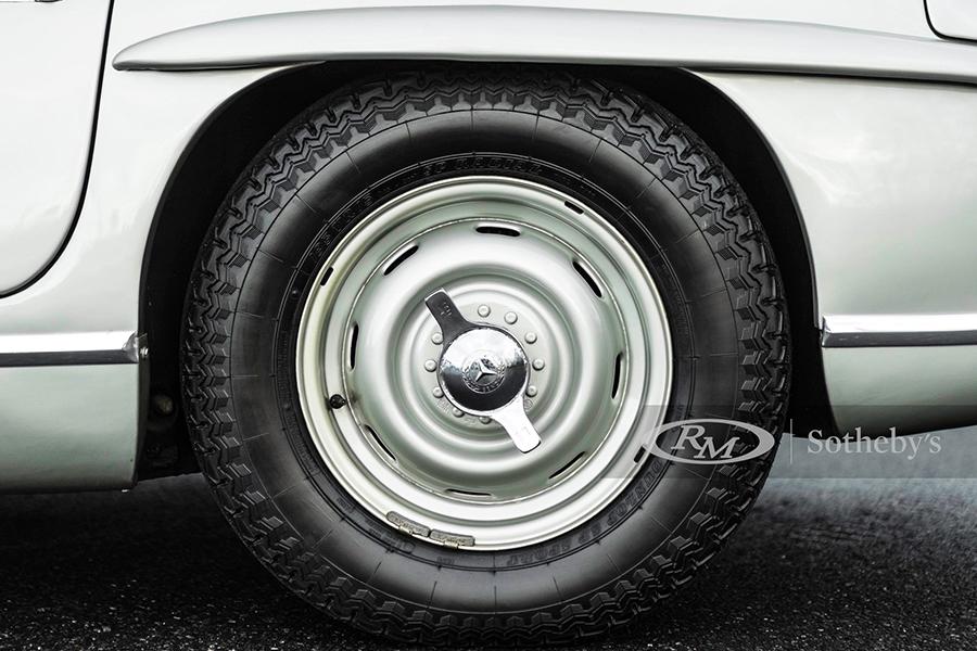 Mercedes Benz 3000 SL Roadster für Auktionsrad