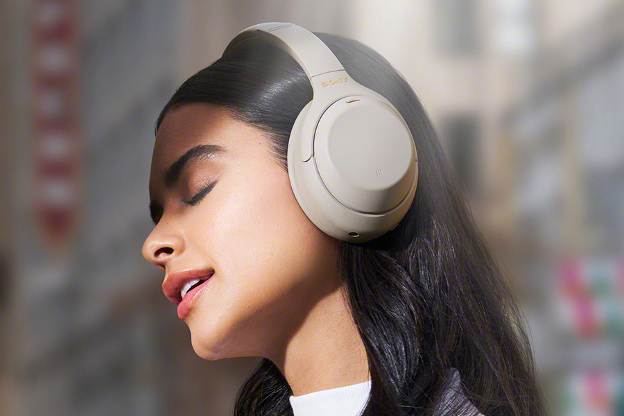 listening to music with Sony WH-1000XM4