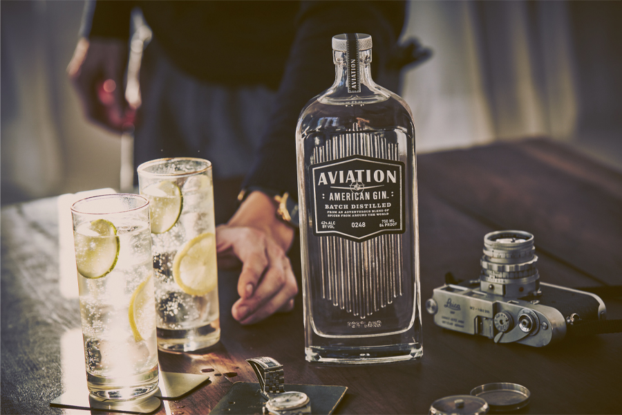 Ryan Reynolds verkauft Aviation American Gin an Diageo