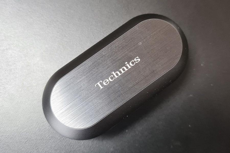 Technics veröffentlicht EAH-AZ70W echte kabellose Kopfhörertasche
