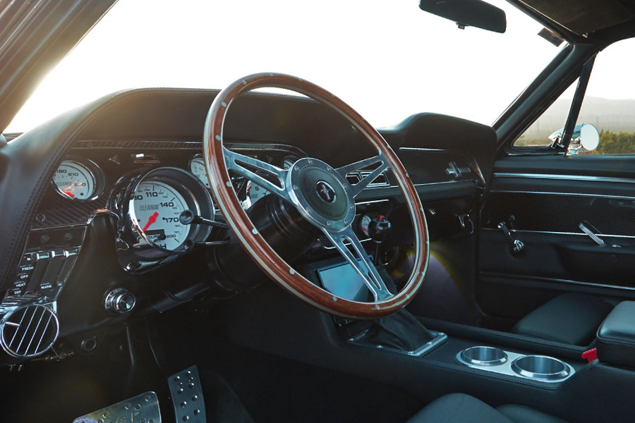 klassisches Ford Mustang Interieur
